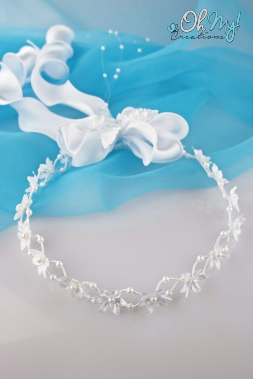 WHITE FLOWER WREATH 320