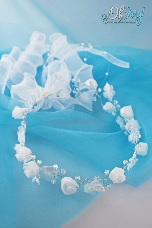WHITE FLOWER WREATH 409