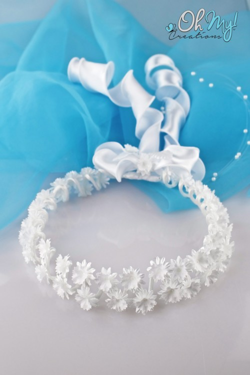 WHITE FLOWER WREATH 329